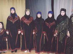 نساء سوريات باللباس التقليدي (أنترنت).