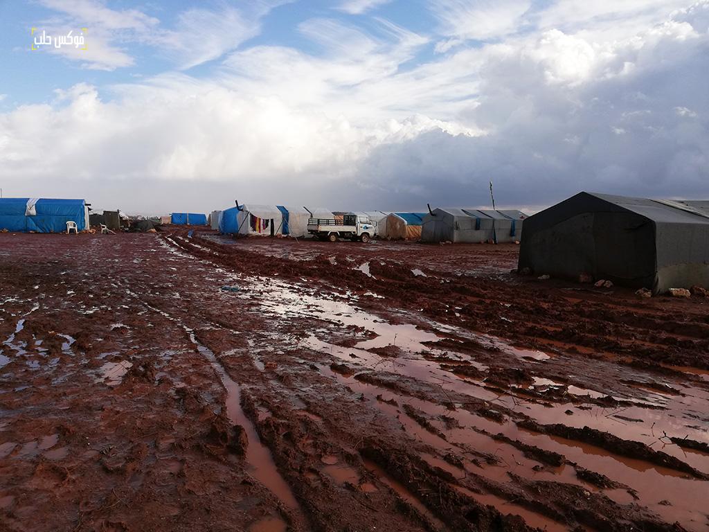 الشوارع المؤدية إلى مخيم قرطبة 1 وصعوبة الوصول إليه
