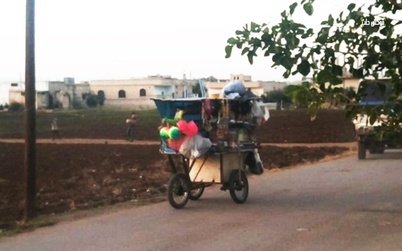 بائع متجول في ريف إدلب