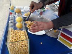 بائع متجول في مدينة إدلب