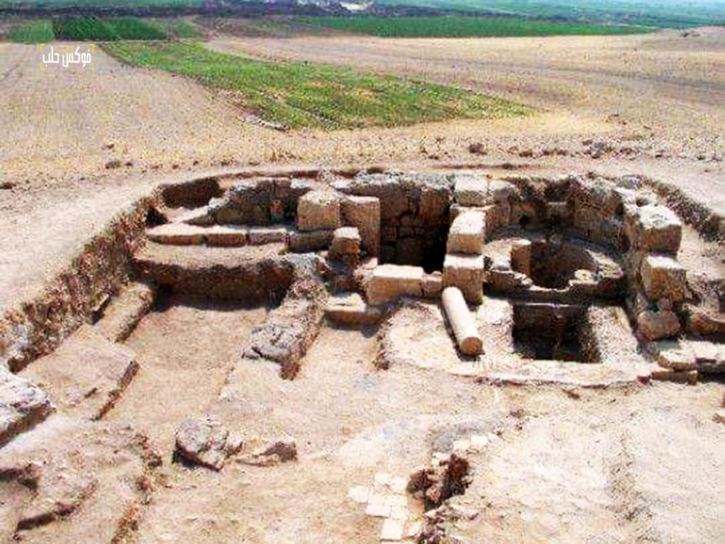بقايا سور قلعة قنسرين