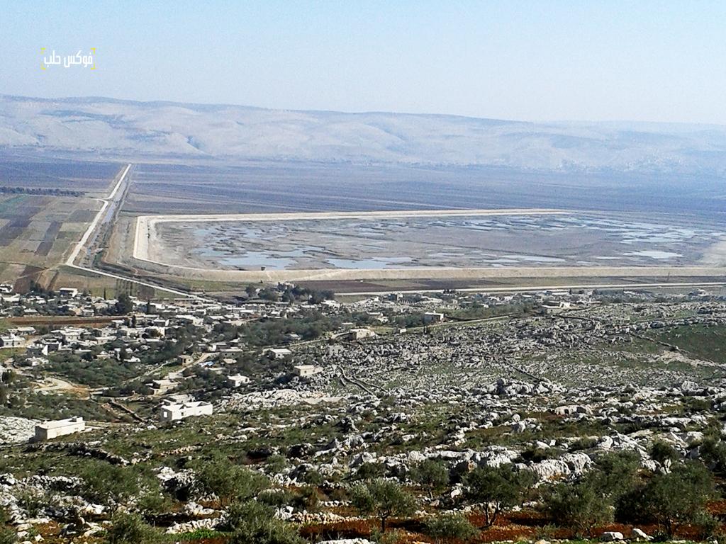 الأراضي الزراعية المحيطة بسد البالعة والجفاف الذي أصابها بعد توقف مياهه