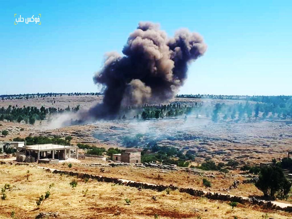 قصف جوي على حرش كفرنبل بريف إدلب