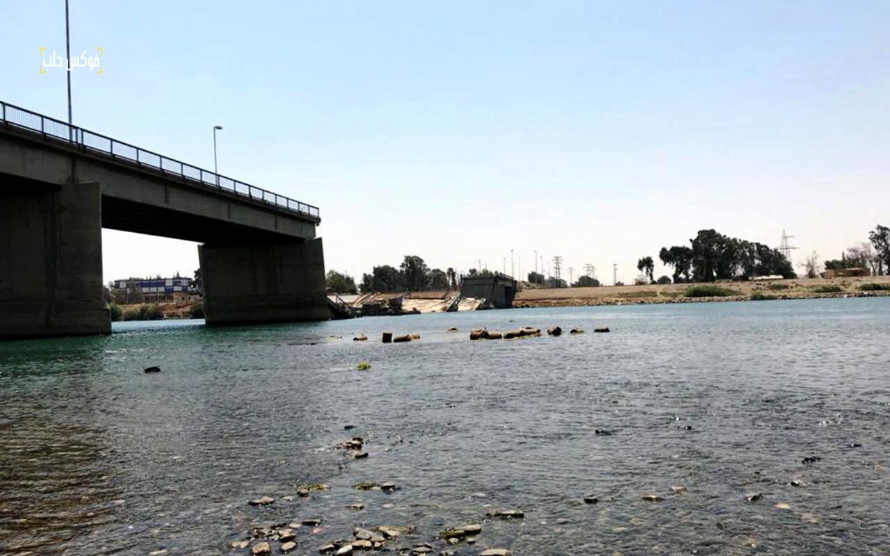 جسر الرقة الجديد بعد تدميره