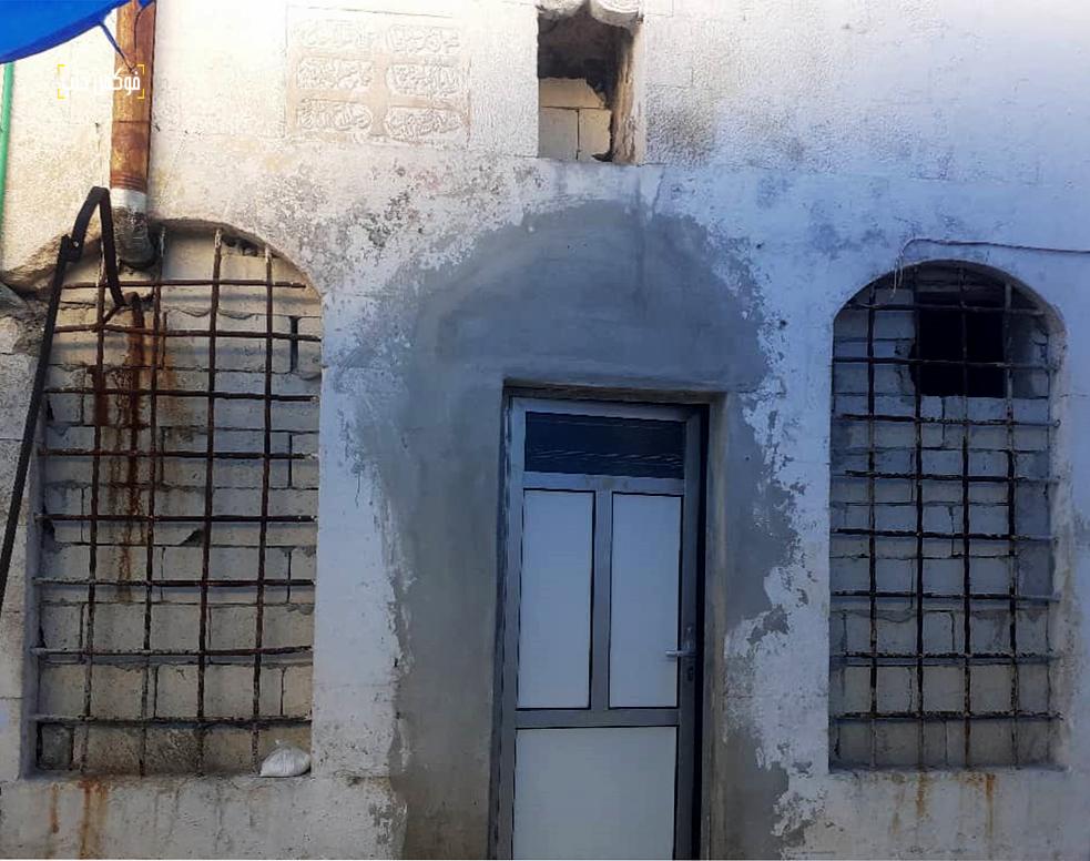 زاوية الوقف التي تسكنها أم وليد بالقرن من خان الشحادين في إدلب