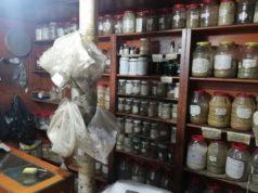 """محلات """"البزورية"""" لبيع الأعشاب الطبية -المصدر: انترنيت"""