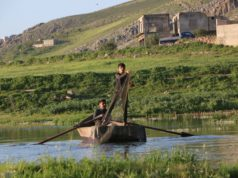 صيادو سمك في منطقة اللج على نهر العاصي -فوكس حلب