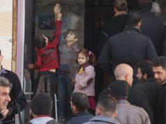 طوابير من المرضى أمام صيدلية آية الخيرية في إدلب -المصدر صفحة الصيدلية على الفيس بوك