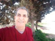 الأستاذ والفنان خالد شلاش -وسائل التواصل