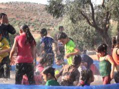 الصورة لمسبح متنقل -فريق الاستجابة الطارئة التطوعي