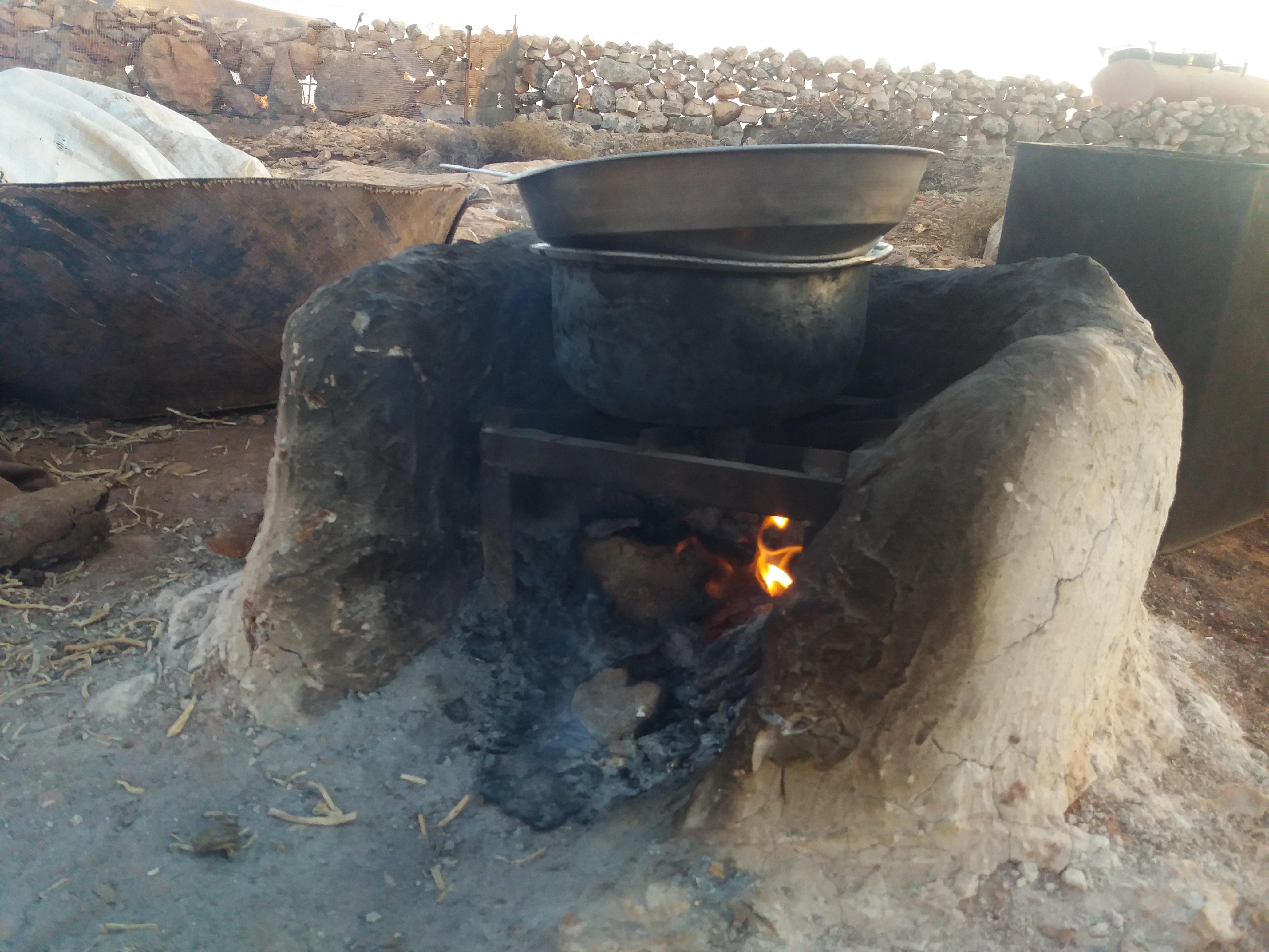 الموقد الذي يستخدمه البدو في الطهي -فوكس حلب