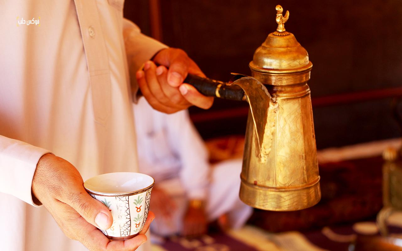 دلة وفنجان القهوة العربية - تصوير محمد حمروش
