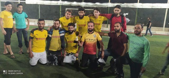 صورة من تتويج فريق العقاب لـ كرة القدم بالبطولة -وسائل التواصل