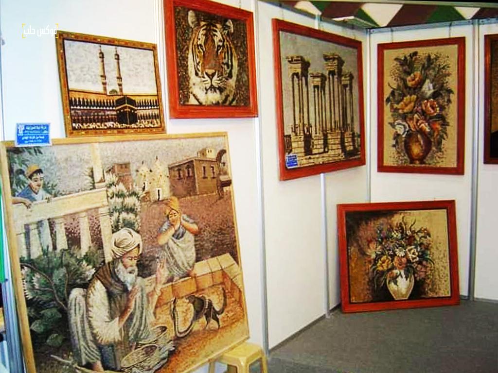 معرض للوحات الفسيفساء المصنعة في ورش الموزاييك السورية