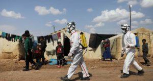 حملة تعقيم من فايروس كورونا في المخيمات من قبل الدفاع المدني -انترنيت