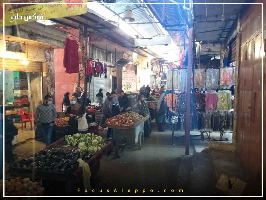 أحد الأسواق في مخيم عين الحلوة