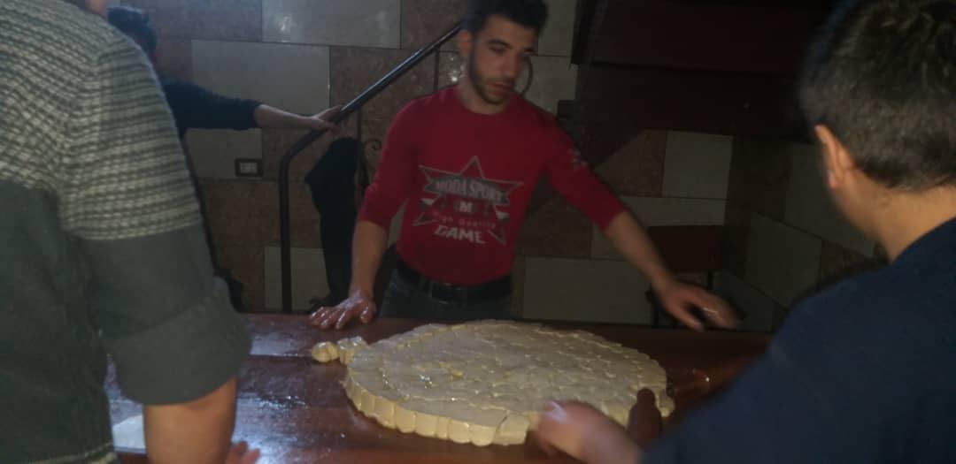 التقطع -من مراحل تصنيع الشعيبيات في إدلب -فوكس حلب