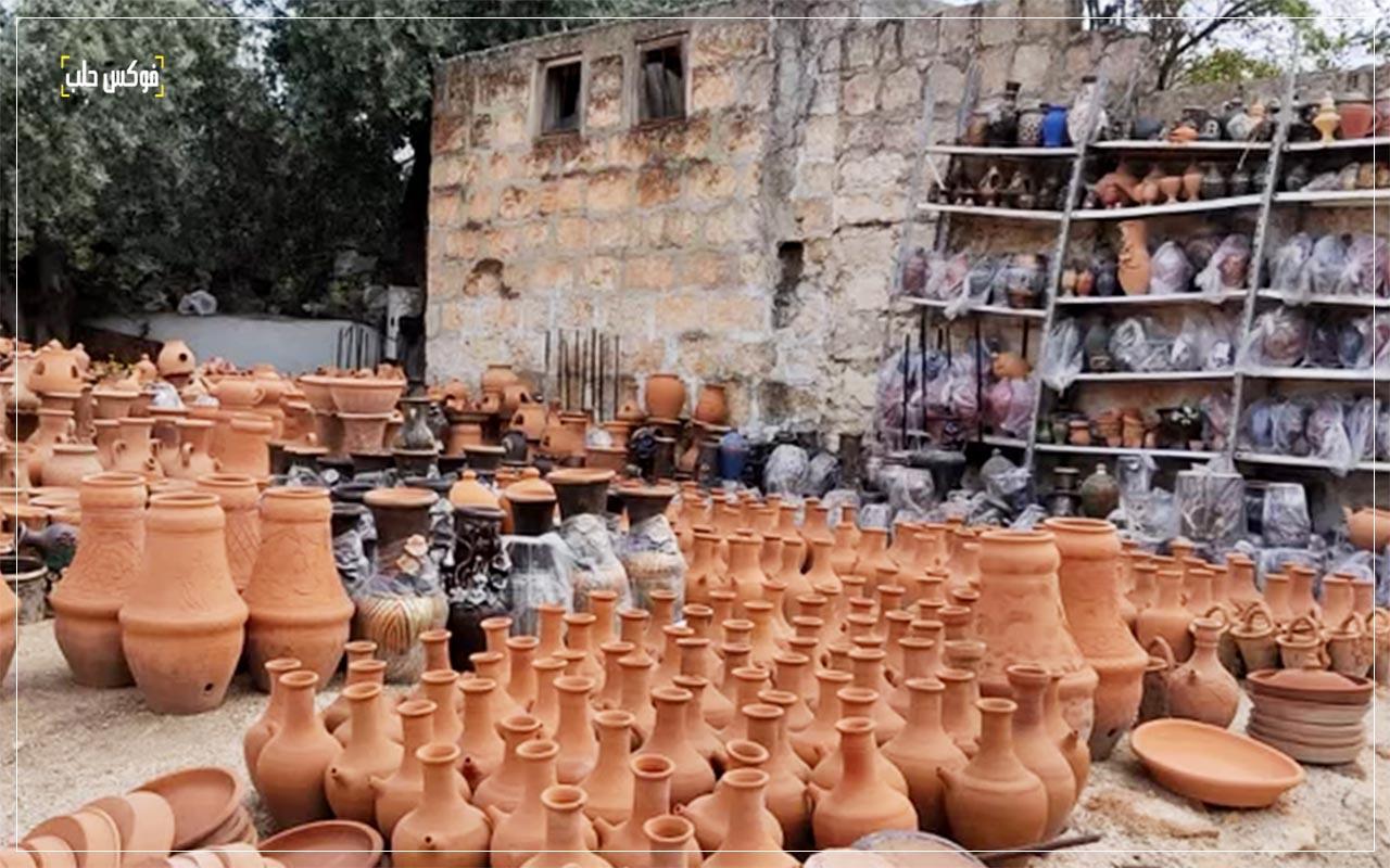 بيع الأواني الفخارية في إدلب