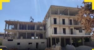 من أعمال البناء الشاقولي في جنديرس