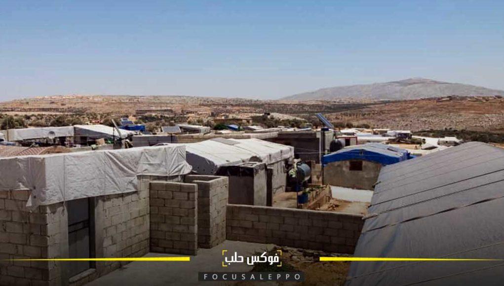 ارتفاع درجات الحرارة في إدلب يزيد من قساوة الحياة في المخيمات
